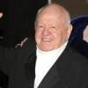 Filmlegende Mickey Rooney unterstützt Tierschutz