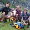 Bergrettung hilft Ziege aus Bergnot