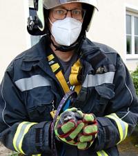 Feuerwehreinsatz für Krähe in Not